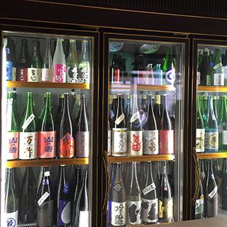 Sake Bar 福蔵 福岡のお酒専門店。特に日本酒を多く扱います。